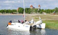 Läti katamaraan triivis Kuressaare jahisadamas madalikule