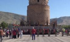 Видео: В Турции переместили многотонный 550-летний мавзолей