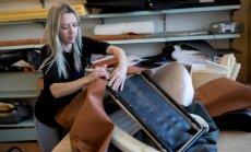Необычная история: женщина продала свой мотоцикл, чтобы шить сиденья для Porsche