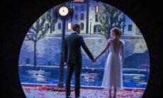 Film näitab, et unistused võivad nii kokku tuua kui ka lahku viia.PildilRyan Gosling ja Emma Stone