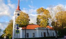 Mardikad söövad Kuressaare kirikutorni