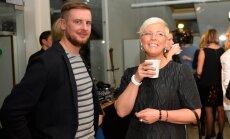 KLÕPS: Evelin Ilves ja Siim Rikker naudivad koos Kultuurse Motobandega imelist Iirimaad ja maitsvat õlut