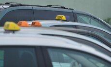 Arestimist ootavad taksod politsei hoovil