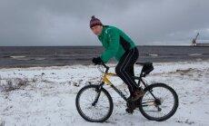 Rattasõit, ujumine ja üldkehaline treening on need, millega Jaak Suursaar ennast vormis hoiab.