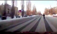 VÕIMALIK VAID VENEMAAL: vaata, kuidas ületavad teed purjus venelased