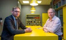 Peep Peterson (vasakul) ja Toomas Tamsar jäid mitmes küsimuses eriarvamusele, kuid olid üksmeelel selles, et edu võti on õppes.