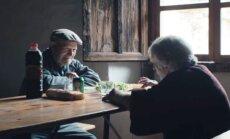 LÜHIFILM vanapaarist, kes on mahajäetud külas elanud juba pool sajandit
