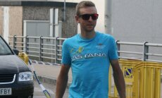Tanel Kangert Vueltal hotelli saabumas