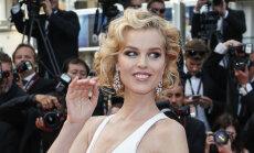 FOTOD: Supermodell Eva Herzigova nägi Cannes'i filmifestivalil välja nagu Marilyn Monroe