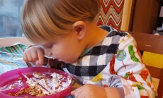 Kui suur peaks olema väikelapse toiduportsjon?