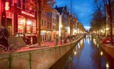 """В Амстердаме пытаются отвадить туристов от """"красных фонарей"""""""