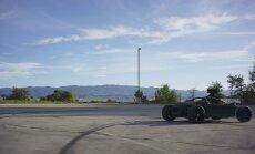 Mill on tagasihoidlik must kartauto, mis võib võtta mis tahes kuju.