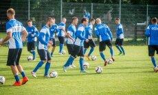 Eesti jalgpallikoondise treening Kotka tänava staadionil