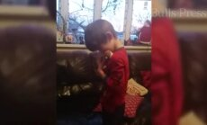 Südantsoojendav VIDEO: pisikese autistliku poisi taaskohtumine lemmikmänguasjaga