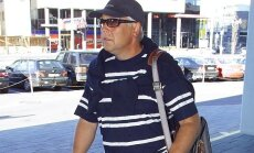 Urmas Ott 2008. aastal kõnnakulk läbi linna. Ka sellist pilti mäletavad paljud.