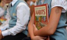 Kertu Saks: koolijütside kontimurdev koorem. Oleme laste vastu ikka julmad küll