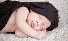 FOTOD: need on kõige kaunimad pildid, millega vanemad beebi sünnist teada on andnud