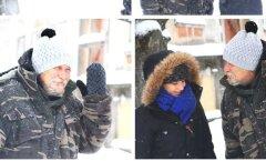 Vahva ettevõtmine: kodumaine kahe õe käsitööfirma jagas kodututele külma kaitseks kindaid ja mütse