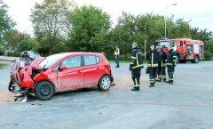 Opel Corsa juht sõitis peateel liikunud bussile külje pealt sisse