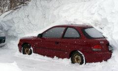Nipp, mis teeb su elu mitu korda lihtsamaks: ilma kraapimata auto esiklaas jääst puhtaks!