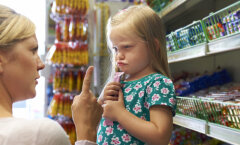 Pole ime, et meil iga kolmas laps paks on, kui pooles liitris karastusjoogis on kümme teelusikatäit suhkrut ja magusaid mullijooke lapsed just eelistavadki