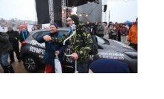 Eelmise aasta Kalafesti autovõitja õnnitles tänavust