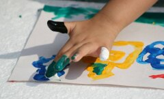 Vasakukäeline laps: ära ürita teda ümber õpetada, vaid aita tal kohaneda