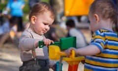 10 reeglit, millest kinni pidamine on kohustuslik kõigile mänguväljakutel käivatele emadele ja lastele