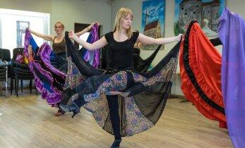 Naisteka eksperiment: kas tantsides on võimalik suveks trimmi saada? Viies katse — mustlastants