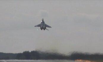 Võimas: vaata reaktiivhävitajat MiG-29 vertikaalselt õhku tõusmas!