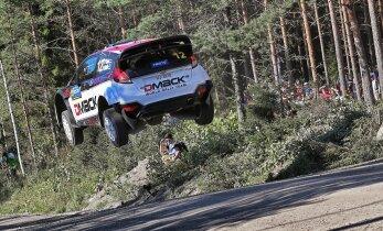 FOTOD: Tänak võitis Soome ralli teisel päeval kolm kiiruskatset. Poodiumikoht on poole minuti kaugusel