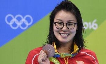 """HÄMMASTAV: Hiinlased said alles tänu olümpiamedalisti intervjuule teada, et naised saavad """"päevadega"""" ujumas käia"""