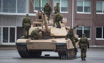 FOTOD: Ühendriikide tankiüksus alustas Tapal teenistust