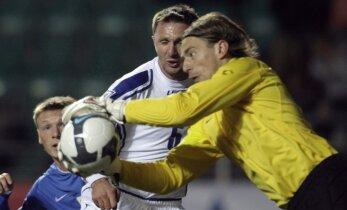 Tase! Jalgpalliportaal valis Pareiko EM mängupäeva parimaks väravavahiks