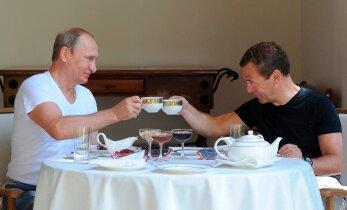 Юбилей без Путина и Медведева: как российские власти отметят 25-летие путча