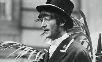 Võigas reliikvia: Oksjonil müüdi John Lennoni verega määritud särk