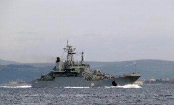 Türgi väinad: Vene sõjalaevad saavad läbi, kuigi läbi bürokraatliku ja allveelaevade kadalipu