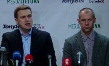 Dainius Adomaitis ja Ramunas Šiškauskas pressikonverentsil