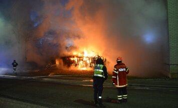 Viljandis põlesid kuurid