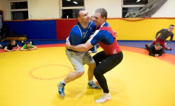 Heiki Nabi pusib maadlusklubi Korrus3 saalis uue treeneri Igor Bugaiga.