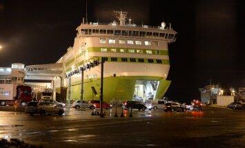 ФОТО DELFI: Из-за технических проблем судно Tallink опоздало в Таллинн на два часа