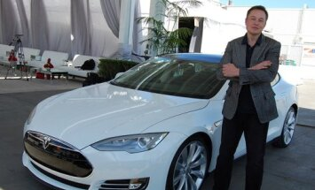 Tesla hakkab sel aastal lõpuks raha teenima