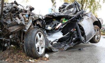 Ekspertiis: Viimsi abiturientide surmasõiduki kiirus oli 140 km/h