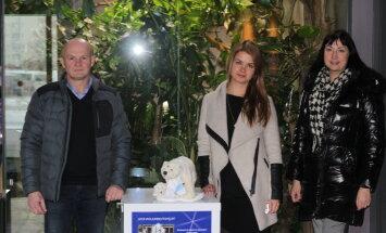 Jääaja Keskus andis loomaaiale üle jääkarudele annetatud ligi 1000 eurot