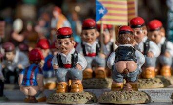 Рождество в Барселоне: Мэрилин Монро, Дональд Трамп и другие знаменитости, справляющие большую нужду