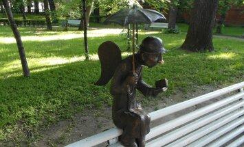 ФОТО читателя Delfi: В Измайловском саду Петербурга появился ангел