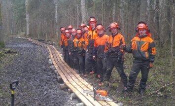 Luua metsanduskooli noored uuendasid õpperada