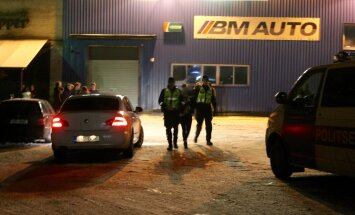 DELFI FOTOD: Politseireidi jahmatav tulemus: erapeolt tabati mitukümmend purjus alaealist