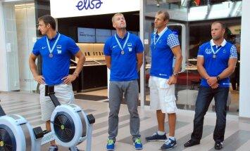 MM-i pronksi võitnud Eesti paarisaerulise neljapaadi võistkond pärnakate vastuvõtul
