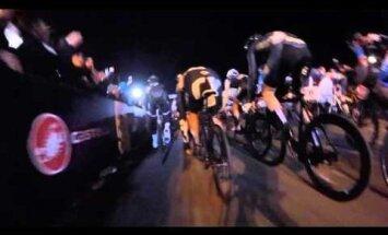 VIDEO: Stardisirgel seisma jäänud mootorrattur põhjustas jalgrattavõistlusel kaose